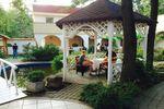 Táborhelyszínek Tata Hotel és Ifjúsági Tábor hotel udva 150x100r