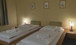 Táborhelyszínek, Eger Hotel U szoba 3