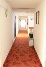 Táborhelyszínek Szántód Ifjúsági Hotel folyosó
