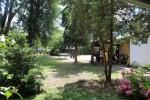Táborhelyszínek Szántód Ifjúsági Hotel udvar 2