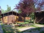 Táborhelyszínek, Balatonakali Ifjúsági Tábor faházak 2