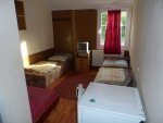Táborhelyszínek Balatonalmádi turistaszálló 4 fős szoba 2