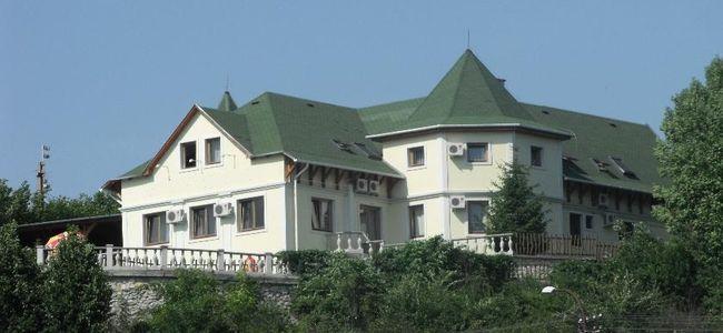 Táborhelyszínek Eger Hotel R