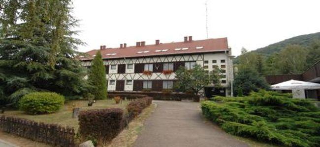 Táborhelyszínek Felsőtárkány Hotel és Tábor