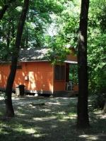 Táborhelyszínek Tata Ifjúsági Tábor faházak
