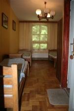 Táborhelyszínek, Királyrét Fogadó és Erdei Hotel, fogadó fürdőszobás szoba