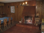 Táborhelyszínek, Sopron Ifjúsági Tábor, erdészház nappali
