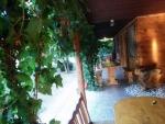 Táborhelyszínek - Révfülöp Panzió és Tábor, faházak előtér