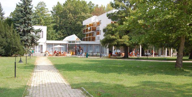 Táborhelyszín - Balatonkenese Ifjúsági Hotel