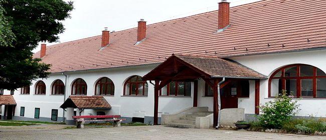 Táborhelyszínek, Balatonszemes Hunyadi tábor főépület