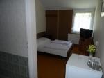 Táborhelyszínek Balatonalmádi turistaszálló 2 fős szoba fürdőszobával