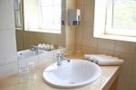 Táborhelyszínek, Nagybörzsöny Hotel fürdőszoba