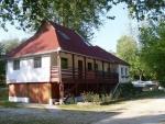 Táborhelyszínek, Szentendre Ifjúsági Tábor, turistaház