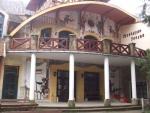 Táborhelyszínek, Királyrét Fogadó és Erdei Hotel, bejárat
