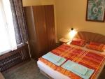 Táborhelyszínek, Balatonföldvár Panzió és Tábor, franciaágyas szoba