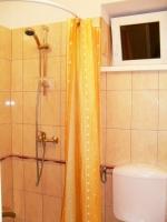 Táborhelyszín, Pilismarót Ifjúsági Tábor, villa fürdőszoba